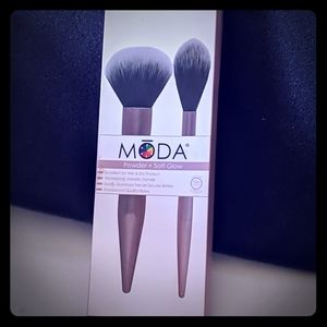 MODA powder and soft glow brush set